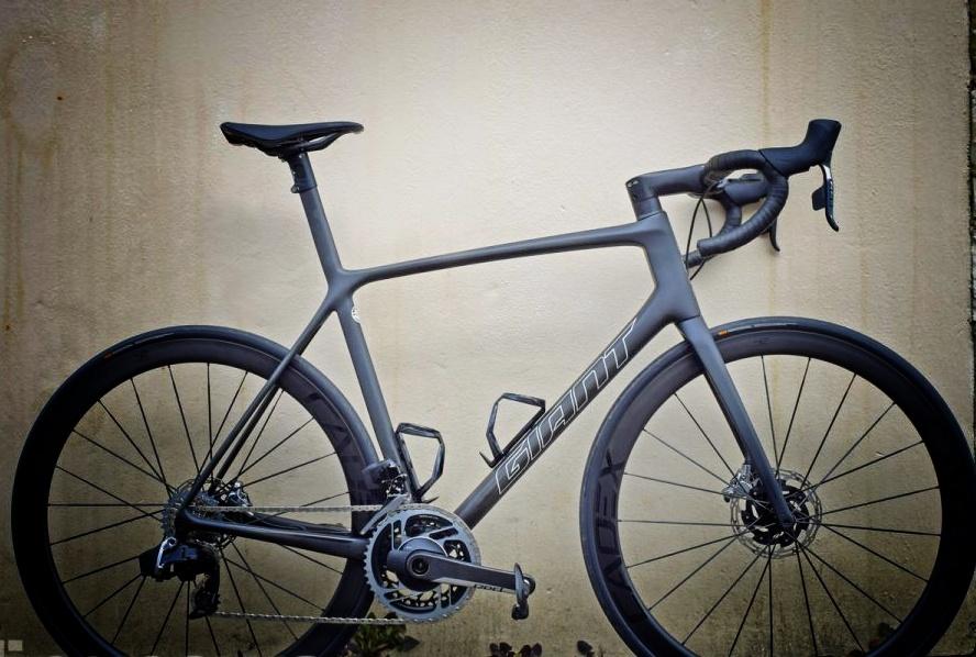 Giant TCR bisikletin fotosu